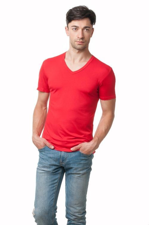 Мужская футболка с v образным вырезом красная AndreSta 2409