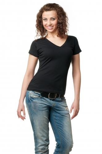 Женская футболка с v образным вырезом черная 8506