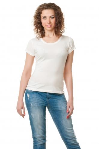 Белая футболка женская с круглой горловиной