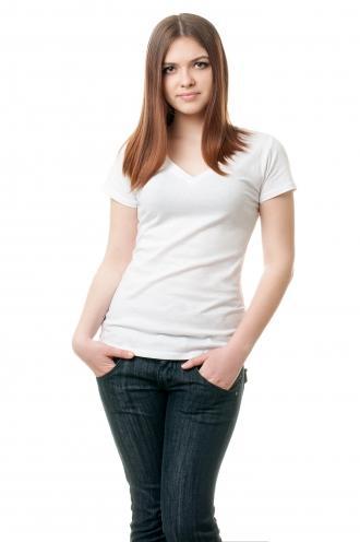 Женская футболка с v образным вырезом белая