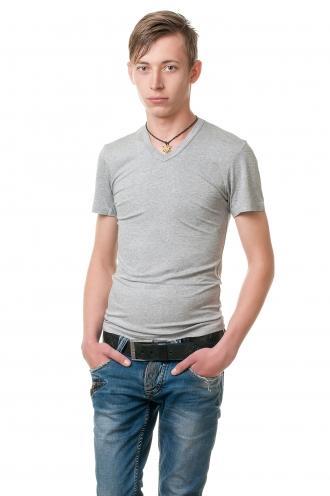 Мужская футболка с V вырезом меланжевая viskosa